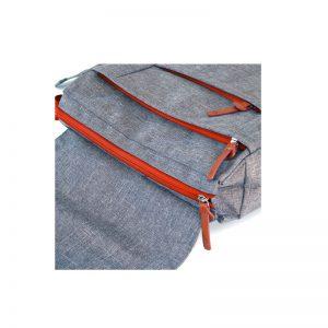Mochila Urbana gris con cierre rojo